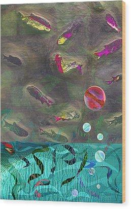 Go Fish Wood Print by Maria Jesus Hernandez