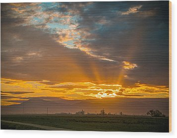 God Beams And Sunrise Wood Print by Connie Cooper-Edwards