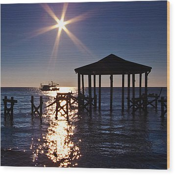 God's Sun Flower At Sea Wood Print by Brian Wright