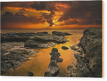 Golden Kailua Beach Sunrise In Oahu Wood Print