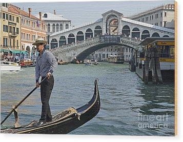 Gondolier On Gondola By Rialto Bridge Wood Print by Sami Sarkis