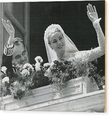 Grace Kelly Waves Wood Print