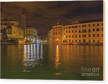 Grand Canal In Venice At Night Wood Print by Paul Cowan
