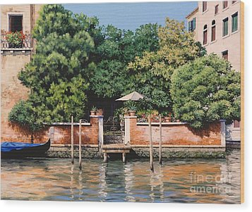 Grand Canal Oasis Wood Print by Michael Swanson
