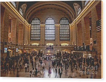 Grand Central Wood Print by Andrew Paranavitana