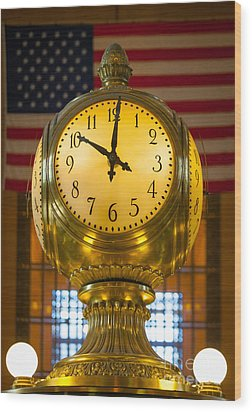 Grand Central Clock Wood Print by Inge Johnsson