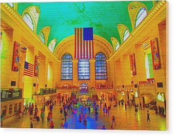 Grand Central Terminal Wood Print by Dan Hilsenrath