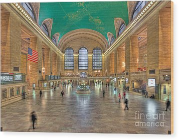 Grand Central Terminal IIi Wood Print by Clarence Holmes
