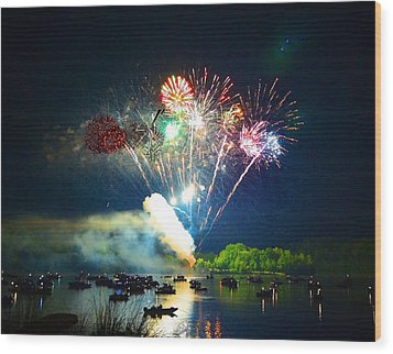 Grand Finale Over The Lake Wood Print by Sandi OReilly