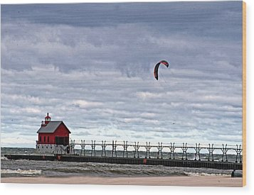 Grand Haven Lighthouse 2 Wood Print by Cheryl Cencich
