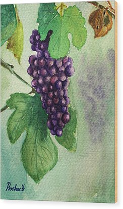 Grapes On The Vine Wood Print by Prashant Shah
