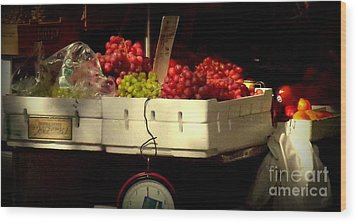 Grapes With Weighing Scale Wood Print