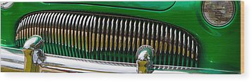 Green And Chrome Teeth Wood Print