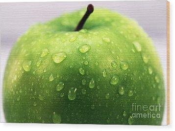 Green Apple Top Wood Print by John Rizzuto