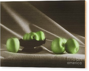 Green Apples Wood Print by Tony Cordoza