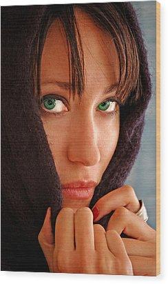 Green Eyed Beauty Wood Print by Jon Van Gilder