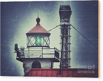 Wood Print featuring the photograph Green Fresnel Gleaming by Mark David Zahn