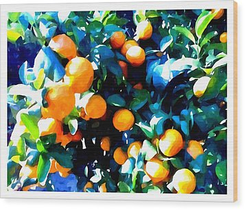Green Leaves And Mature Oranges On The Tree Wood Print by Lanjee Chee