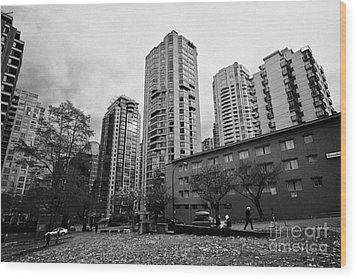 Green Space In Front Of High Rise Apartment Condo Blocks In The West End Between Robson And West Geo Wood Print by Joe Fox