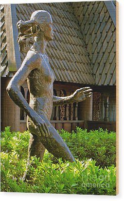 Wood Print featuring the photograph Grete Waitz Sculpture by Joy Hardee