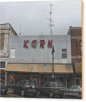 Grinnell Iowa - Kgrn Radio Station Wood Print by Gregory Dyer