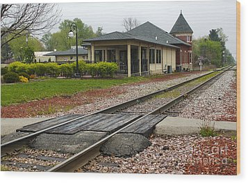 Grinnell Iowa - Train Depot Wood Print by Gregory Dyer