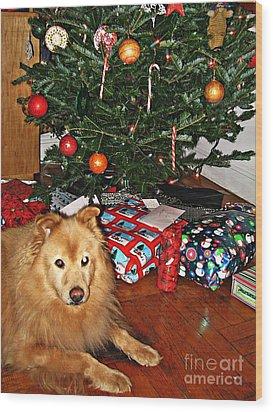 Guardian Of The Christmas Tree Wood Print by Sarah Loft