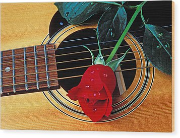 Guitar With Single Red Rose Wood Print by Garry Gay