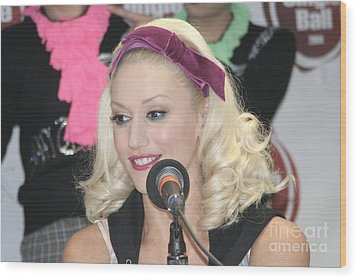 Singer Gwen Stefani Wood Print by Concert Photos