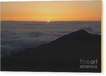 Haleakala Sunrise Wood Print by Benjamin Reed