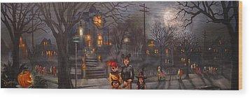Halloween Trick Or Treat Wood Print by Tom Shropshire