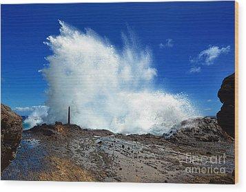 Halona Blowhole Crashing Wave Wood Print by Aloha Art