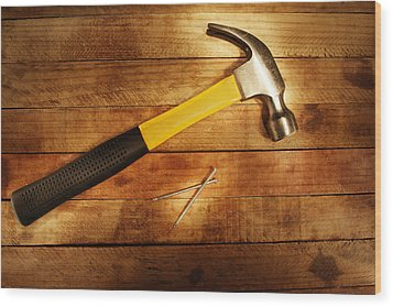 Hammer And Nails Wood Print by Les Cunliffe