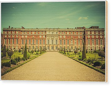 Hampton Court Palace Gardens As Seen From The Knot Garden Wood Print by Lenny Carter