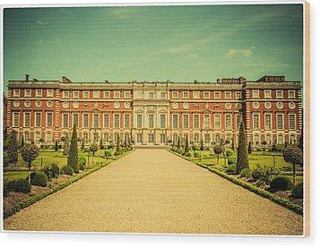 Hampton Court Palace Gardens As Seen From The Knot Garden Wood Print