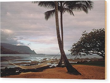 Hanalei Bay Hammock At Dawn Wood Print by Kathy Yates