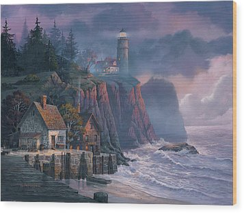 Harbor Light Hideaway Wood Print by Michael Humphries