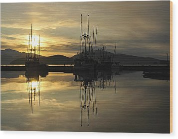 Wood Print featuring the photograph Harbor Sunset by Cathy Mahnke
