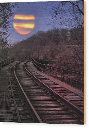 Harvest Moon Wood Print by Bill Cannon
