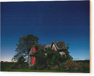 Haunted Farmhouse At Night Wood Print by Cale Best