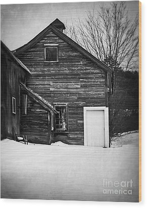 Haunted Old House Wood Print by Edward Fielding
