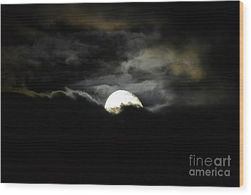 Haunting Horizon Wood Print by Al Powell Photography USA