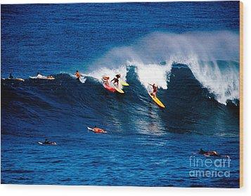 Hawaii Oahu Waimea Bay Surfers Wood Print by Anonymous