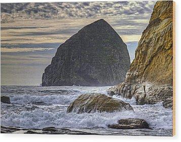 Haystack Rock At Cape Kiwanda Wood Print by David Gn