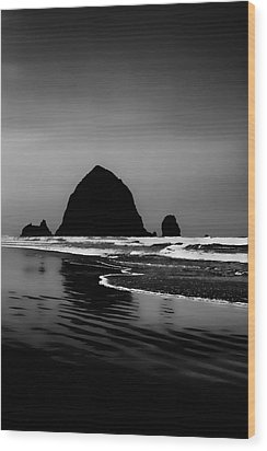 Haystack Rock On Cannon Beach Wood Print by David Patterson