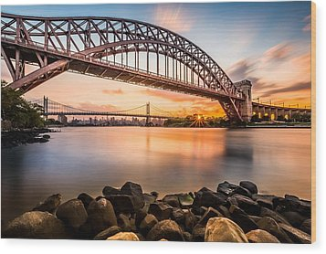 Hell Gate And Triboro Bridge At Sunset Wood Print
