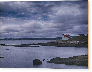 Hendricks Head Light Wood Print by Jeff Folger