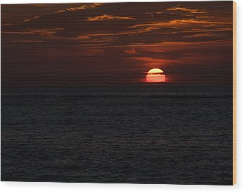 Wood Print featuring the photograph Here Comes The Sun by Greg Graham