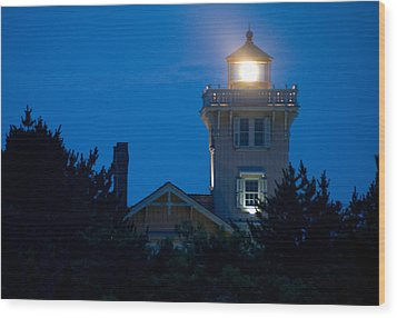 Wood Print featuring the photograph Hereford Inlet Lighthouse At Dusk by Greg Graham