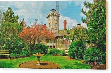 Hereford Inlet Lighthouse Garden Wood Print by Nick Zelinsky